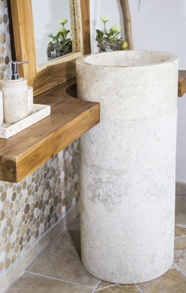Standwaschbecken aus Naturstein creme