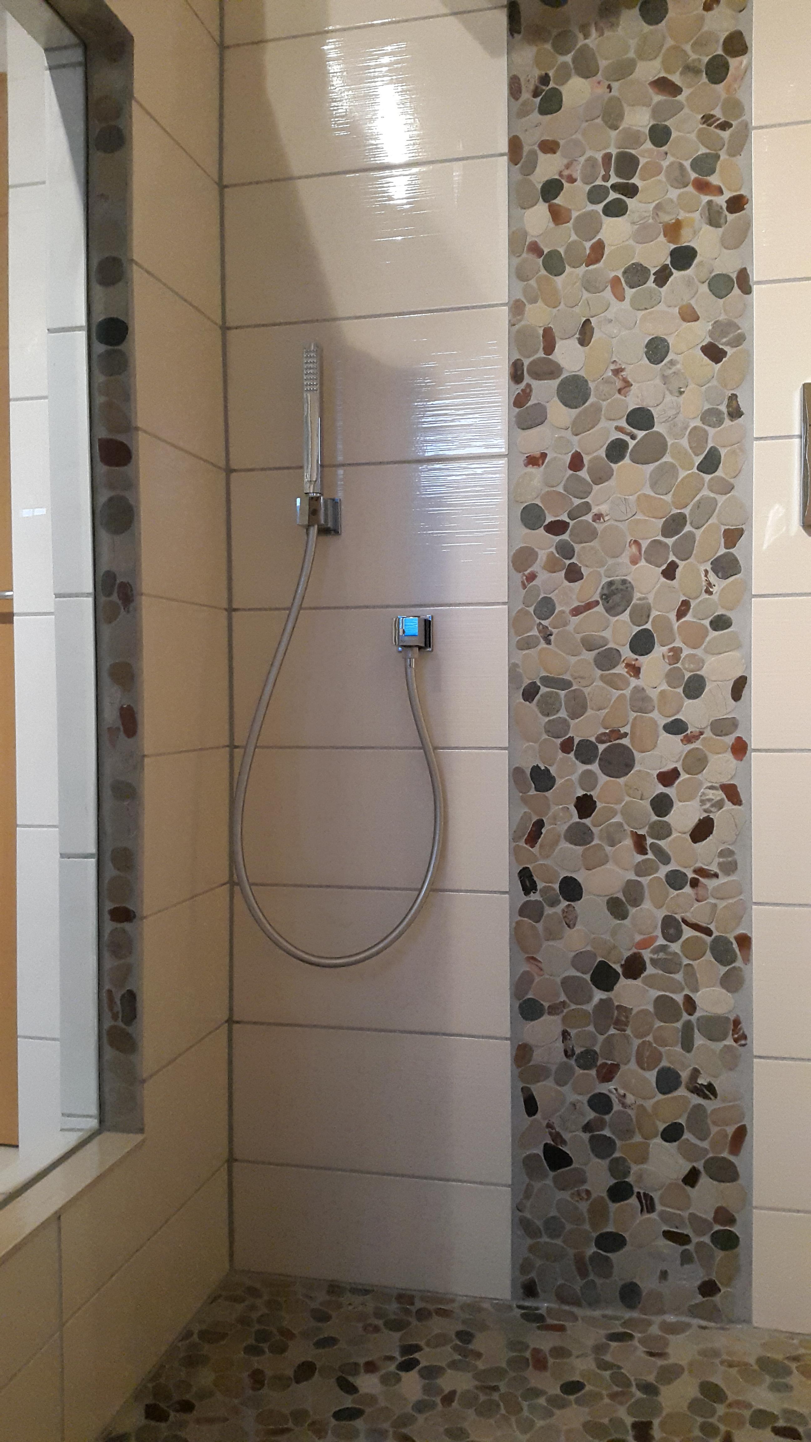 mosaik fliesen dusche fliesen mosaik dusche fliesen mosaik dusche dusche mit bodenablauf. Black Bedroom Furniture Sets. Home Design Ideas