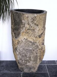 Freistehendes Waschbecken aus Megalith