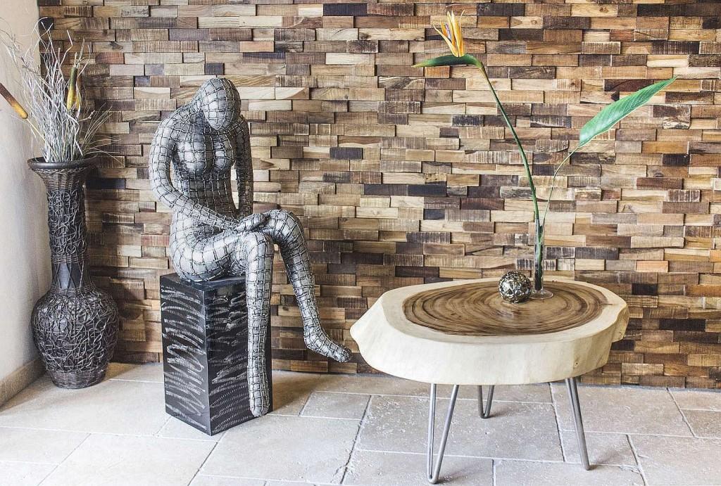 Wandverkleidung aus recyceltem Holz